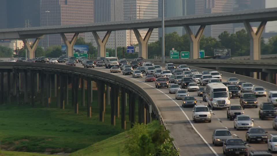 247883826-二酸化炭素-高架道路-渋滞-市内高速道路