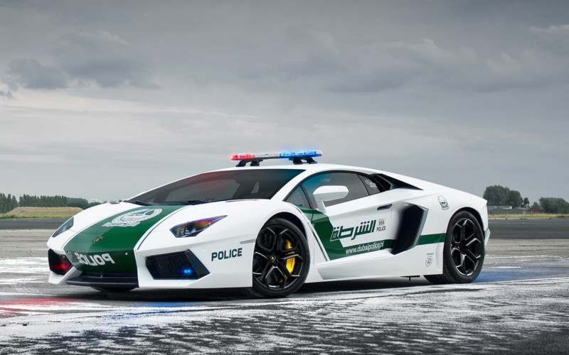 Police-Car-in-Dubai-Wallpaper-Pictures-HD-Dubai-Police-Car-Wallpaper