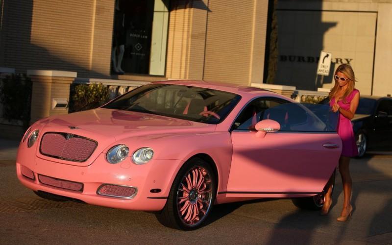 paris_hilton_barbie_pink_car_2014
