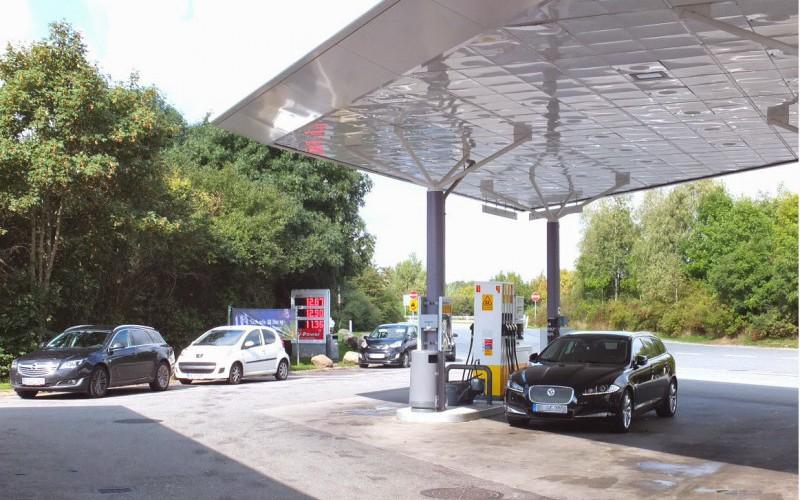 petroll-station-2