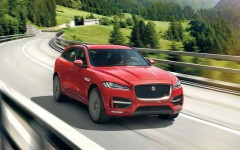 F-Pace-feat