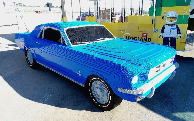 1964-Ford-Mustang-life-size-Lego-model-02