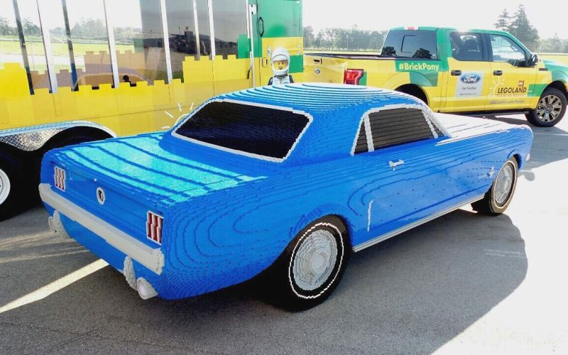 1964-Ford-Mustang-life-size-Lego-model-03