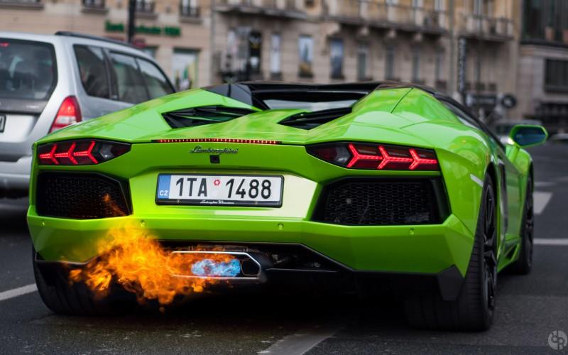 Ã�ンボルギーニ・アヴェンタドール、火災が発生する可能性あり!リーコル対象に! Ȼ�の大辞典cacaca