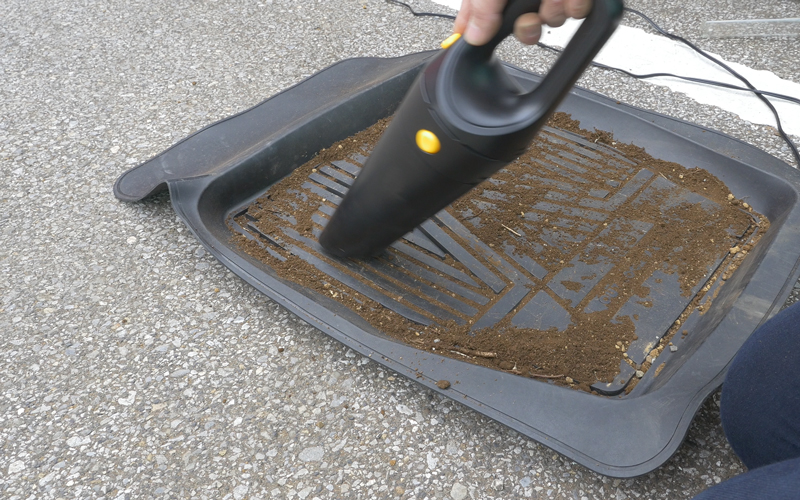 car-vacuumcleaner_21